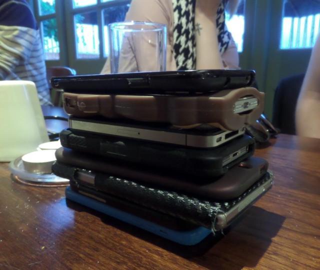 Anyone wanna buy a phone?  I've got loads of 'em!